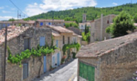 Take a guided tour of the Old village of Cereste.