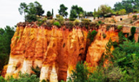 Travel to Roussillon ochre, one of the most beautiful Villages of France.